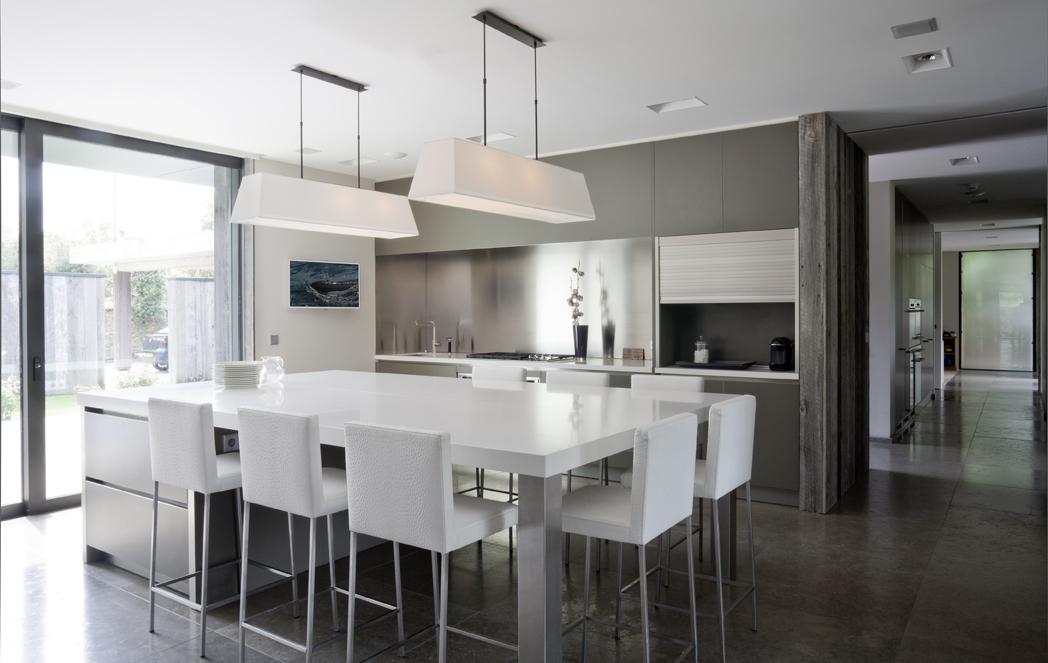 lieu de passage et de plaisirs cuisines et bains. Black Bedroom Furniture Sets. Home Design Ideas