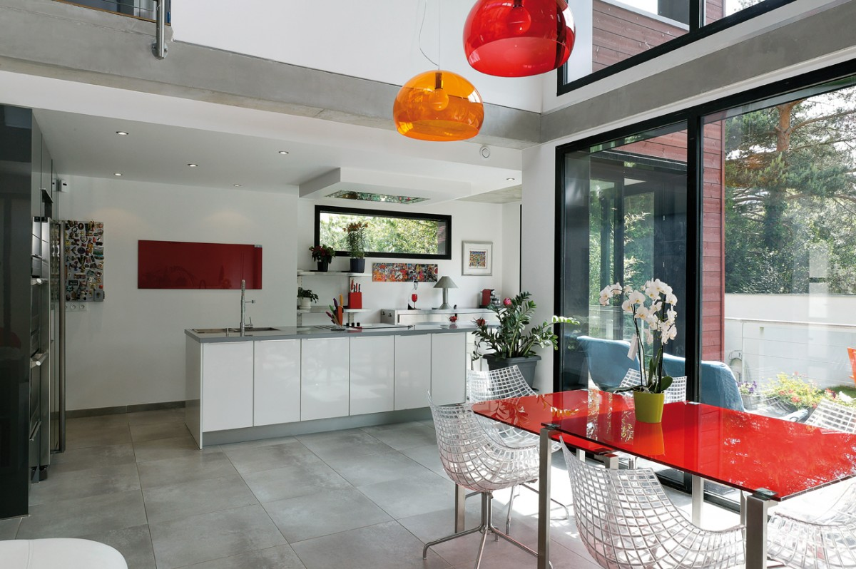 entre jardin et s jour cuisines et bains. Black Bedroom Furniture Sets. Home Design Ideas
