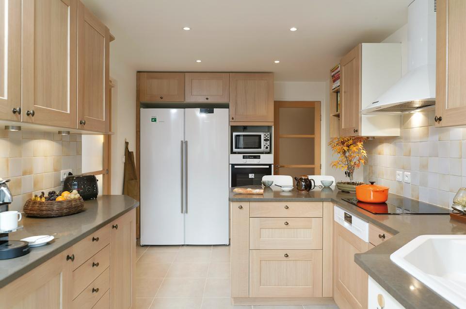 entente blond et blanc. Black Bedroom Furniture Sets. Home Design Ideas
