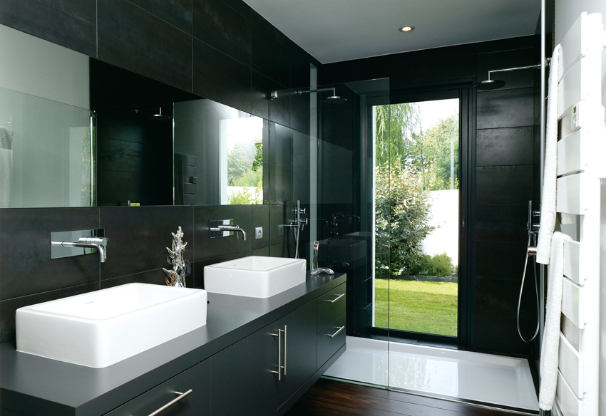 salle de bain noir