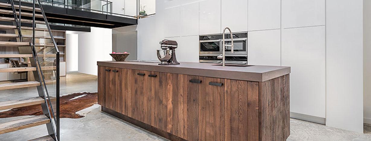 la cuisine fran aise cuisines et bains. Black Bedroom Furniture Sets. Home Design Ideas