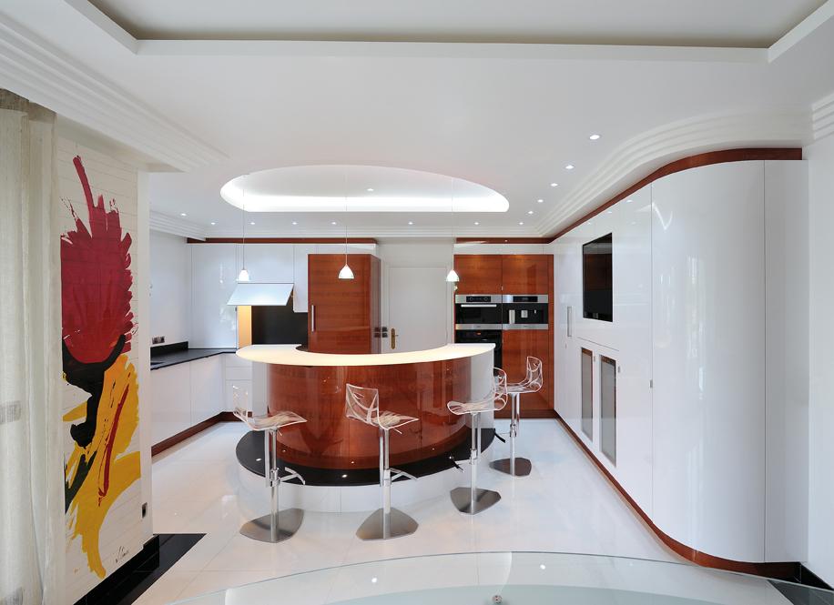 la cuisine affiche de s duisantes rondeurs cuisines et bains. Black Bedroom Furniture Sets. Home Design Ideas