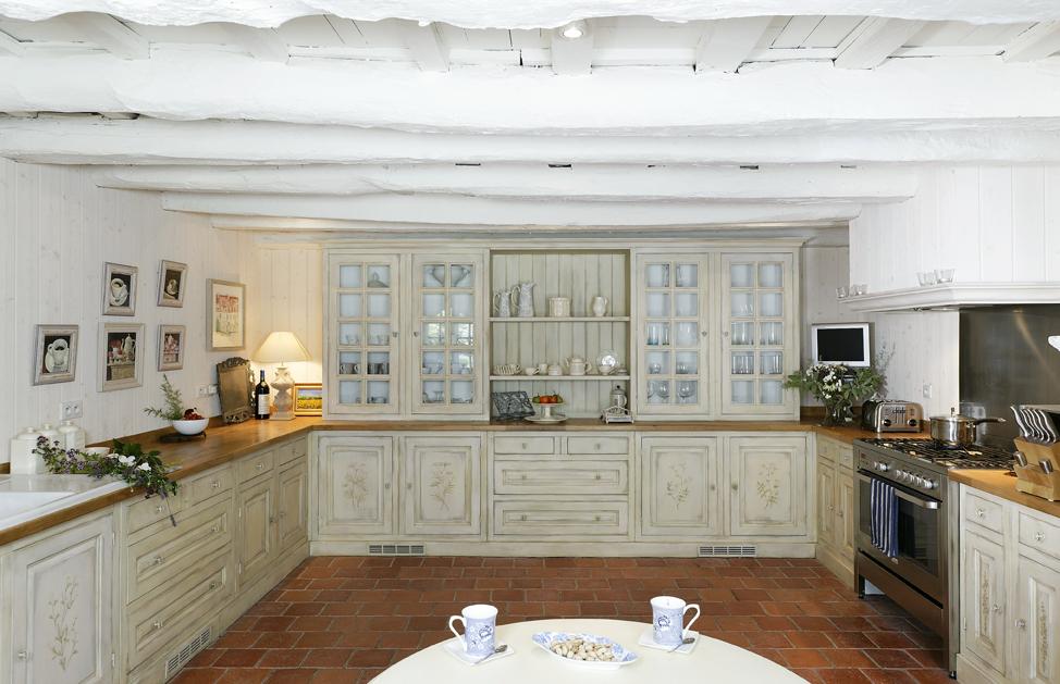 Un herbier dans la cuisine cuisines et bains - Cuisine et bain magazine ...