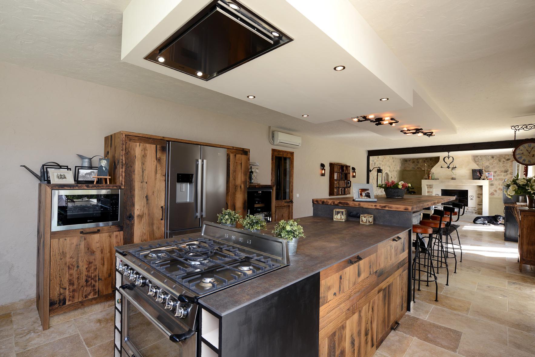 inspiration industrielle en cuisine cuisines et bains. Black Bedroom Furniture Sets. Home Design Ideas