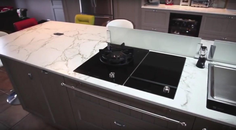 zoom sur le plan de travail en dekton. Black Bedroom Furniture Sets. Home Design Ideas