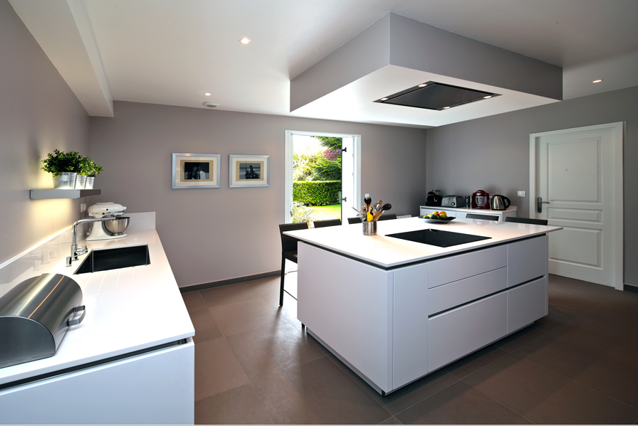 la cuisine s 39 offre une seconde jeunesse cuisines et bains. Black Bedroom Furniture Sets. Home Design Ideas