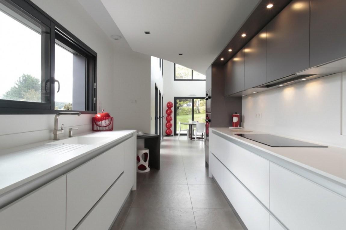 La cuisine couloir 10 exemples suivre cuisines et bains for Meuble de couloir moderne