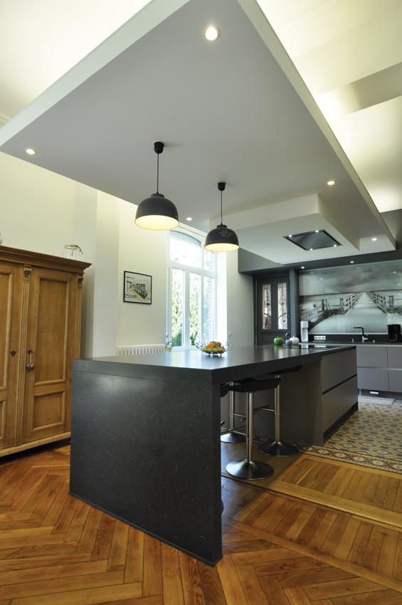 cuisine grise bois moderne