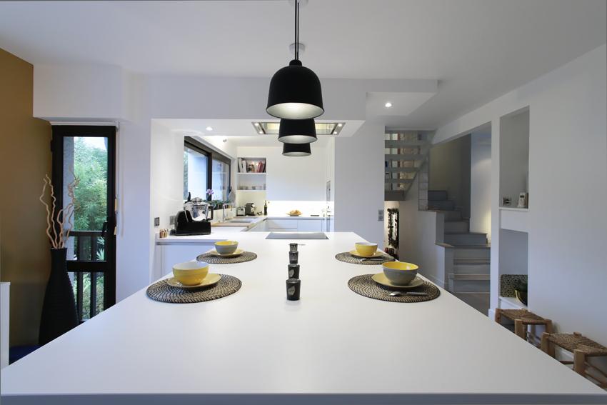 table salle à manger blanche cuisine