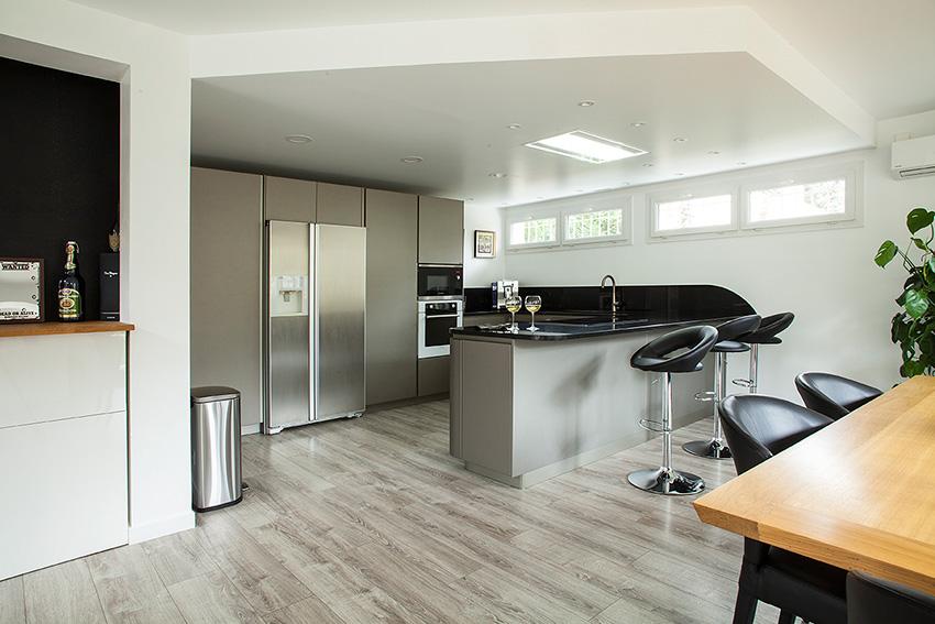 snaidero cuisines deco douceur des courbes cuisines et bains. Black Bedroom Furniture Sets. Home Design Ideas